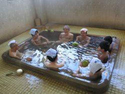紙屋温泉元旦朝ぶろザボン風呂
